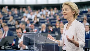 From Juncker to von der Leyen: the defining challenges of the incoming and outgoing Commissions