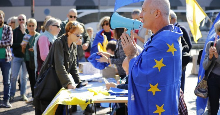 Europeans demonstrate for openness and unity on 13 October