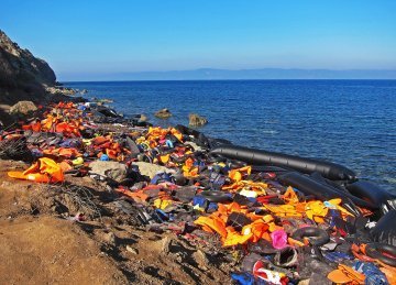 Migration in the Mediterranean : between myth and reality
