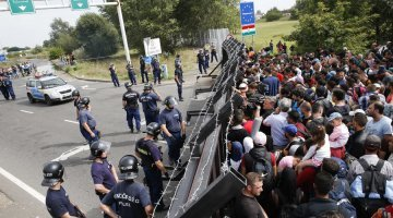 The Schengen crisis : a failure