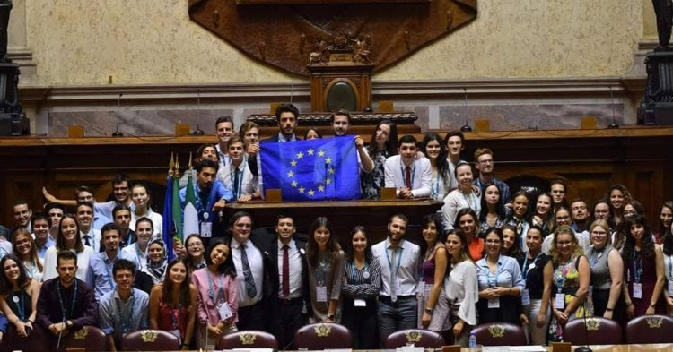 MEU Lisbon brings Europeans together inside the Portuguese Parliament